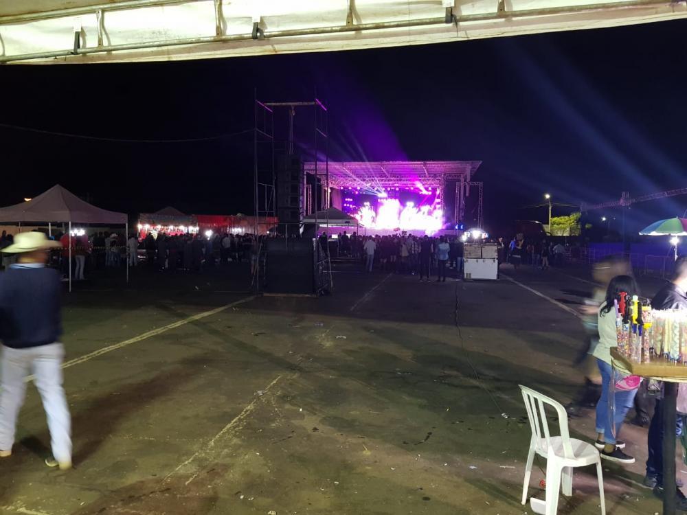 Festa do Peão 2019:Público pequeno em show de Naira Azevedo assusta organizadores