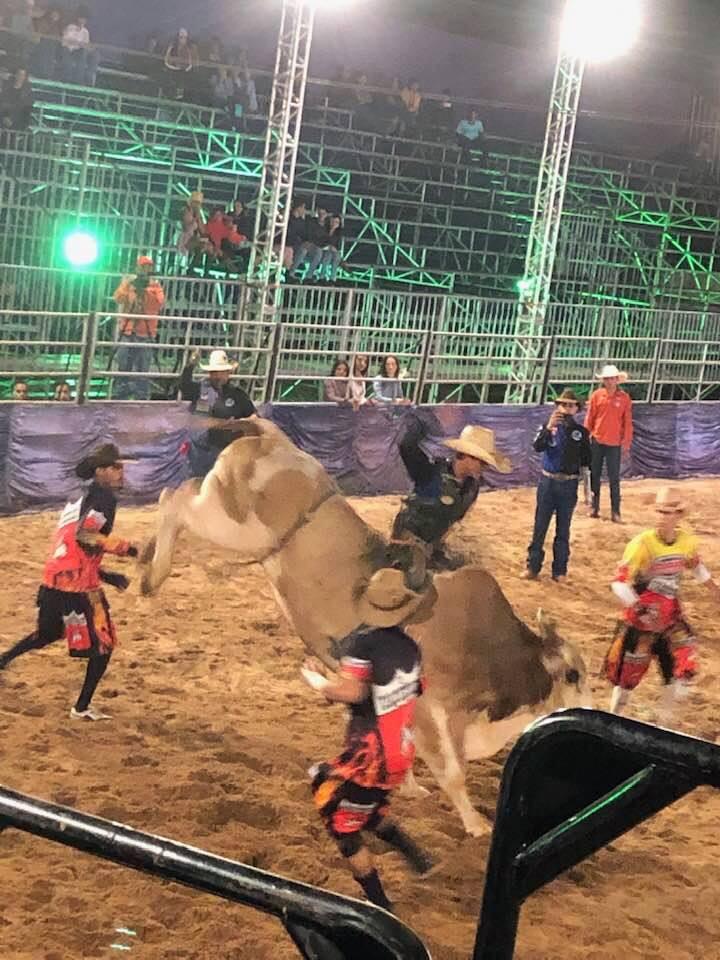 O FIASCO DA SEGUNDA NOITE DA FESTA DO PEÃO 2019